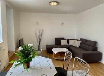 BA I. 3 izbový byt na prenájom v rodinnom dome na Okánikovej ulici v centre
