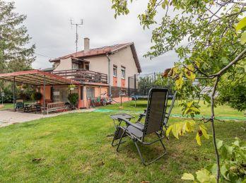 Predaj 5 izbového rodinného domu s 9,48á pozemkom, Šamorín