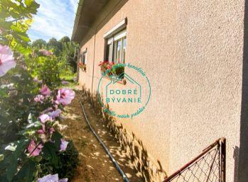 Na predaj rodinný dom v pôvodnom stave s rozsiahlym pozemkom