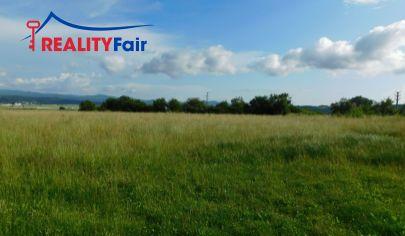 Predaj investičného pozemku na výstavbu rodinných domov - Badín