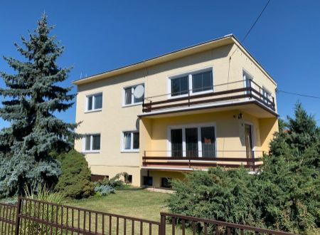 EXKLUZÍVNE Na predaj veľký 7-izbový dom v Malých Uherciach