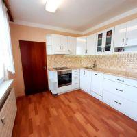 3 izbový byt, Vráble, 84 m², Čiastočná rekonštrukcia