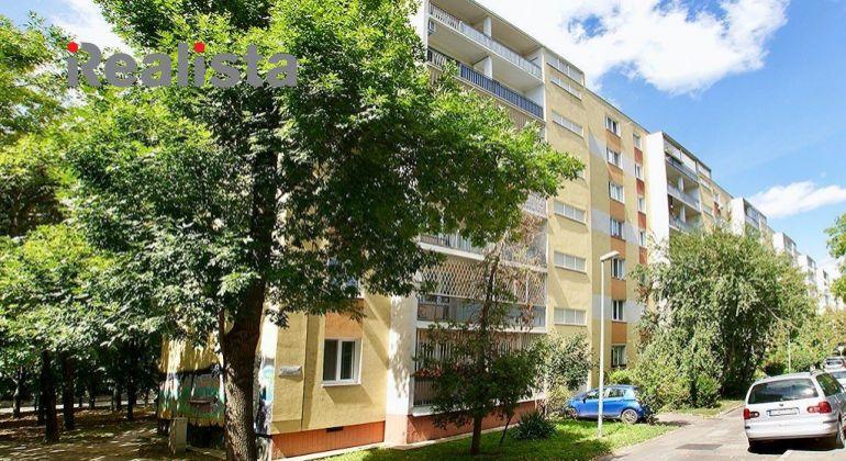Znížená cena! - 3 izbový byt - BA, Ružinov - Kozmonautická ul. po čiastočnej rekonštrukcii