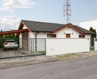 REZERVOVANÉ - Predaj útulného 3izb RD typu bungalow 124m2 s prekrytou terasou_pozemok 3á