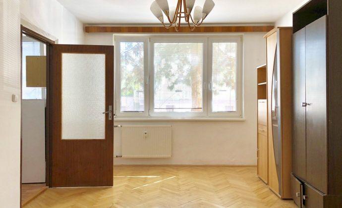 PRENÁJOM - 1 izbový byt 39, po rekonštrukcií, Jesenského, Prievidza
