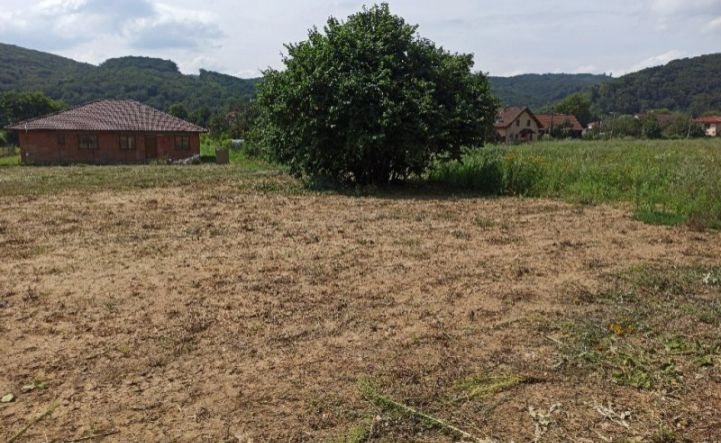 Predám pozemok 809m2 v Haniske pri Prešove