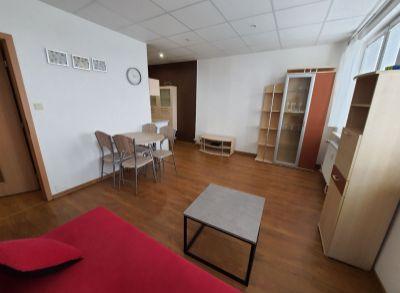REZERVOVANÉ - NA PRENÁJOM - 1,5 izbový byt na Štefánikovej ulici