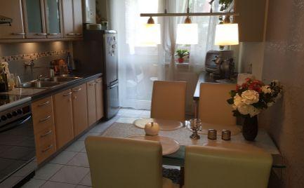 Hľadáme spolubývajúcu do 3 izb.bytu v Nitre na Chrenovej.