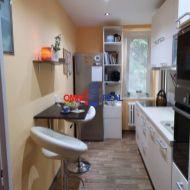 Predaj 2+2 izbový byt vo vyhľadávanej lokalite na ostredkoch
