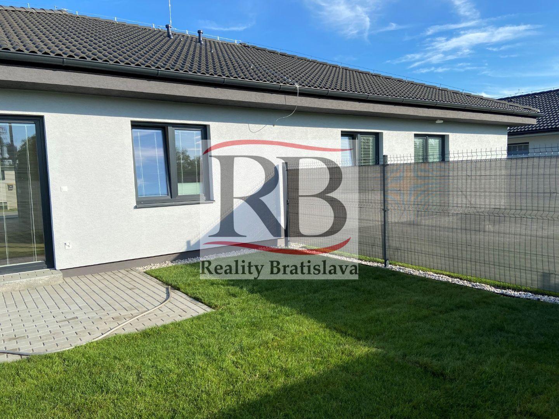 Rodinný dom-Prenájom-Bernolákovo-750.00 €