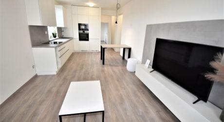 Na prenájom 2 izbový byt s lodžiou v novostavbe+park.miesto, 54 m2, Trenčín, ul. Zlatovská