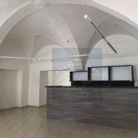 Obchodné, Banská Bystrica, 98 m², Kompletná rekonštrukcia