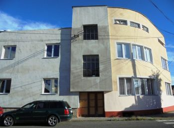 DVA 3-i byty 200 m2 s TERASOU, GARÁŽOU blízko CENTRA mesta - REZERVOVANÉ