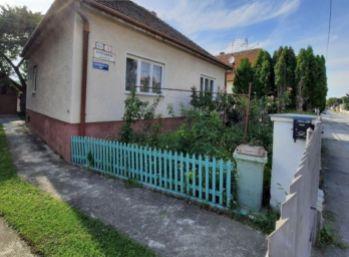 Na predaj 4 izbový rodinný dom v tichej lokalite mesta Nové Zámky