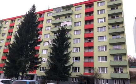 Veľký 2 izbový  s lodžiou, 64 m2,  B. Bystrica , Fončorda, po čiast. rekonštrukcii  - Cena 114 000 €