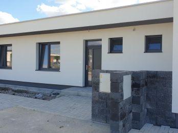 V zabývanej časti ! Prízemní 4 izb. bungalow - Slovenský Grob - NOVOSTAVBA