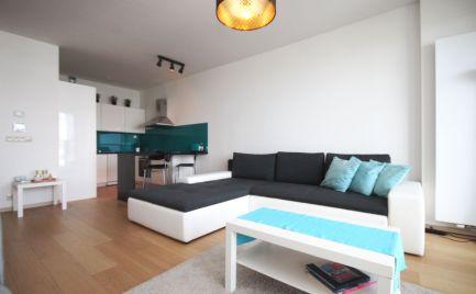 PREDAJ - exkluzívny 2 izbový byt, 32. poschodie, Panorama city