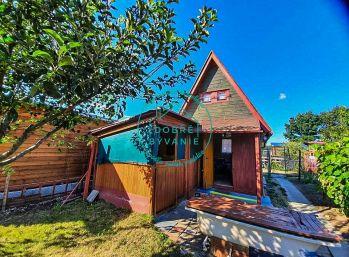 Na predaj záhradná drevená chatka v chatovej oblasti Hliník