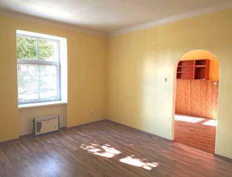 Zvolen, mesto – priestranný 2-izbový zrekonštruovaný byt, 69 m2 – predaj
