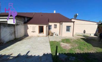 Ponúkame Vám na predaj rodinný dom po kompletnej rekonštrukcii v obci Malé Leváre