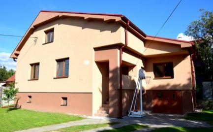 DMPD real Vám ponúka na predaj päť izbový rodinný dom nachádzajúci sa  priamo v centre obce Sebedražie.