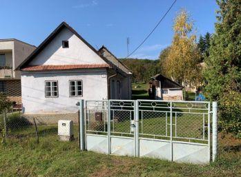 TOČNICA- Dom 85 m 2 na POZEMKU 2396  m2  vhodný na Chalupu