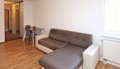 NA PREDAJ: Dvojizbový zariadený byt v modernom bytovom komplexe na Kazanskej (rezervované)