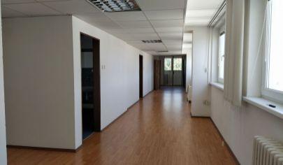 161m2 za 1150.-€/ mesiac! Prenájom 5 miestností, 2x WC, sprcha, kuchynka + parkovanie, Bulharská ul., BA II., Trnávka.