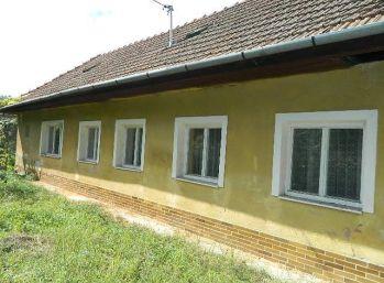 REZERVOVANÉ! Predáme 2 rodinné domy na jednom pozemku v Seredi