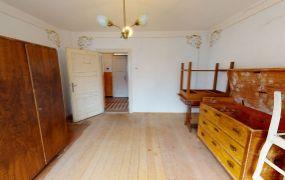 EXKLUZÍVNE IBA U NÁS Vám ponúkame na predaj starší rodinný dom v obci Slopná.