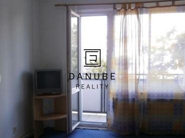 Prenájom 2-izbový zariadený byt v Bratislave-Novom meste na Kukučínovej ulici.