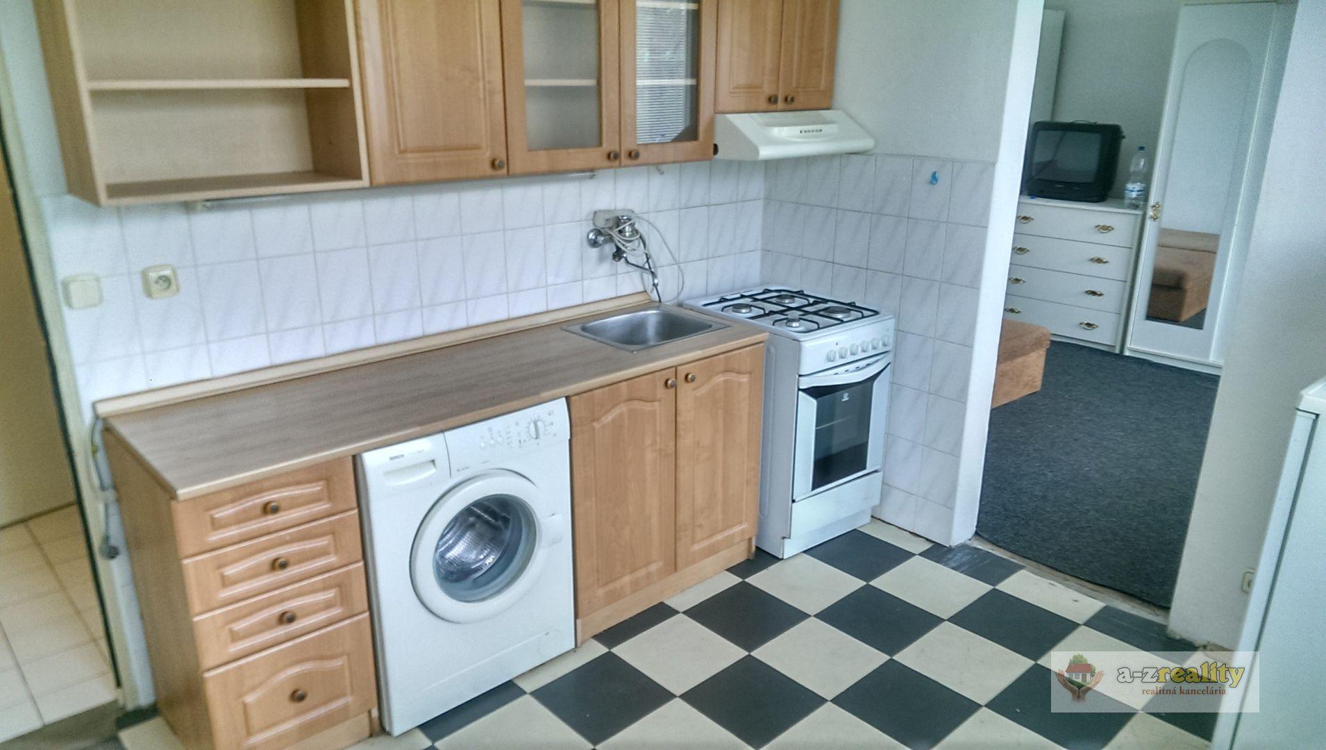 1-izbový byt-Predaj-Nové Zámky-49800.00 €