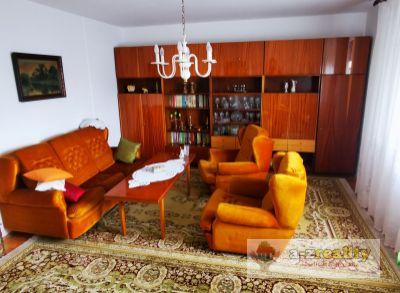 2990 Na predaj 3 izbový byt v štvorbytovke v Nových Zámkoch