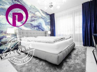 PREDANÉ - Luxusný 3i BYT– STARÉ MESTO: 135 m2 veľkometrážny, dizajnérkou zariadený strešný byt s nadštandardným vybavením a obrovskou terasou.