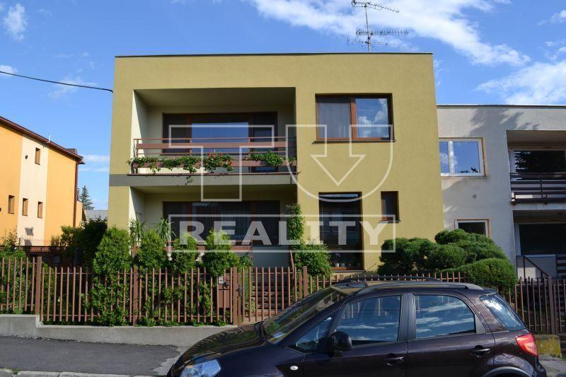 Rodinný dom-Prenájom-Nitra-1000.00 €