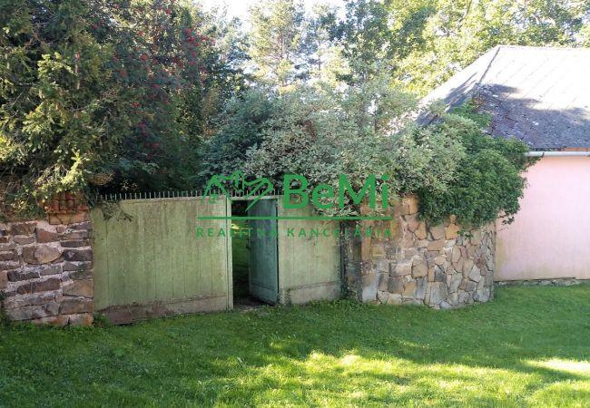 PREDANÉ - Predaj pozemku s domom v obci Abrahámovce-Pikovce (ID: 009-14-JKC)