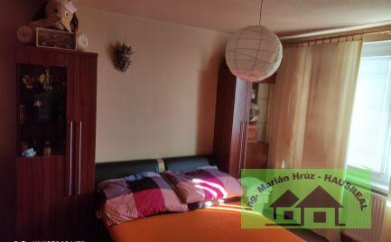 1 izbový byt v centre mesta Levice.