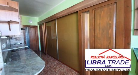 PREDAJ  3 - izbový byt s balkónom v  Štúrove s krásnym výhľadom.