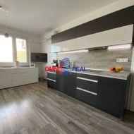 1,5-izbový byt 43 m2, Rajecká 7/10 – loggia, klimatizácia