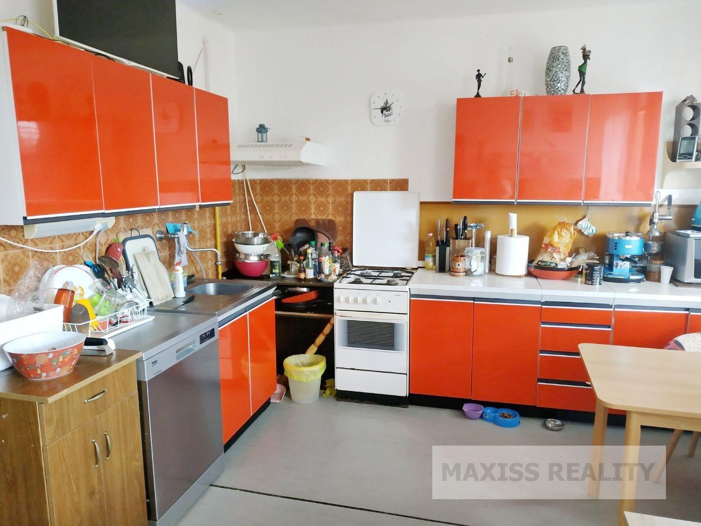 Rodinný dom-Prenájom-Banská Bystrica-900.00 €