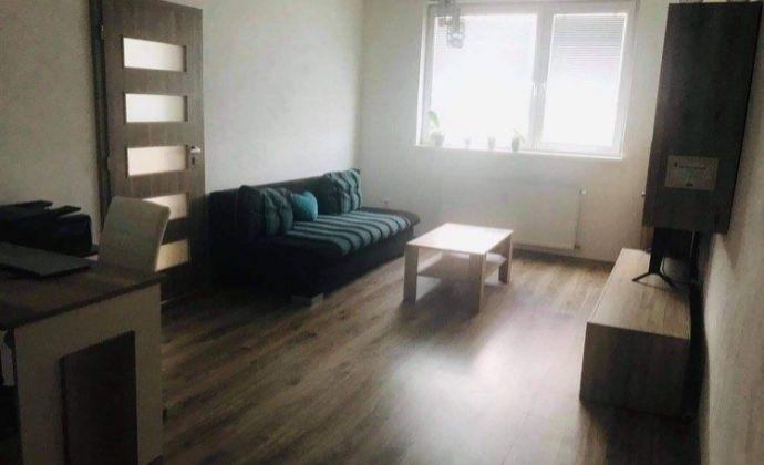 POZOR! Kompletne zrekonštruovaný 2 i byt v Šuranoch na predaj.