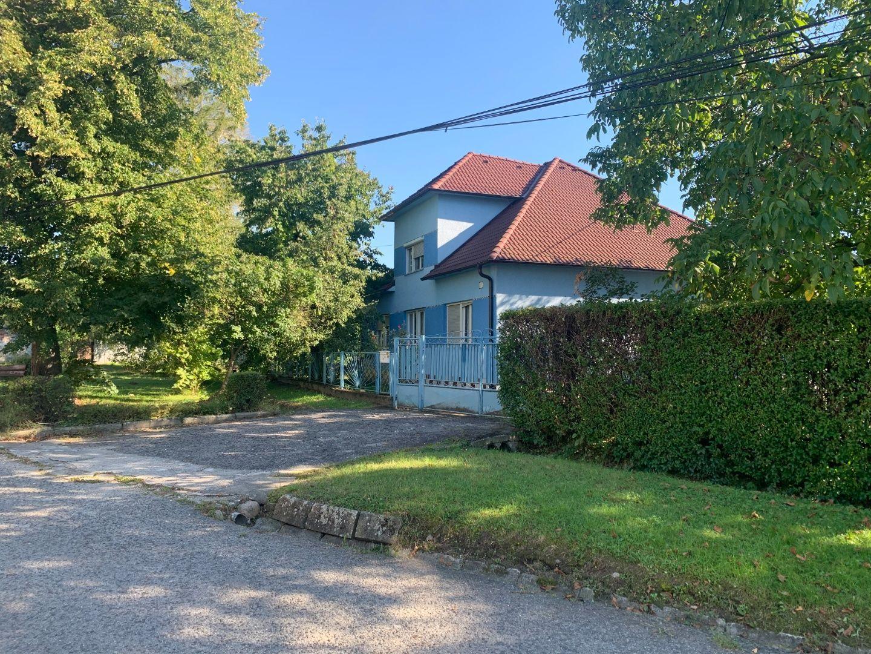 Rodinný dom-Predaj-Jablonové-400000.00 €