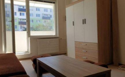 Na predaj 1-izbový byt Topoľčany, ulica M.Benku, s loggiou