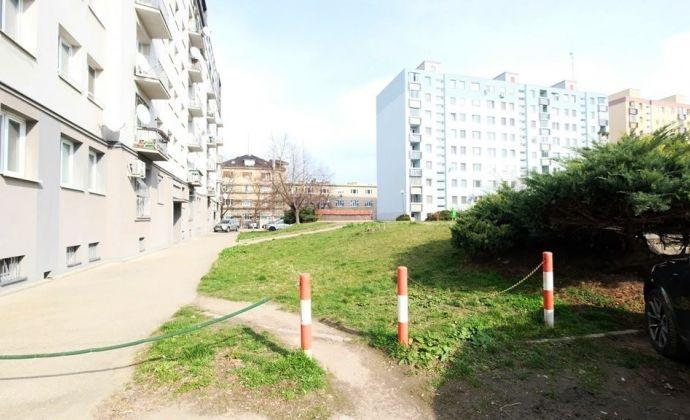 Pekne riešený 3-izbový byt vo vynikajúcej lokalite, rozhranie Ružinov - Nové Mesto