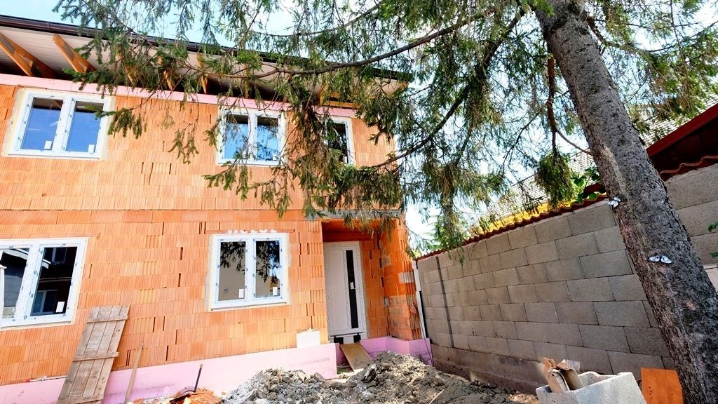 Rodinný dom-Predaj-Bratislava - mestská časť Ružinov-299000.00 €