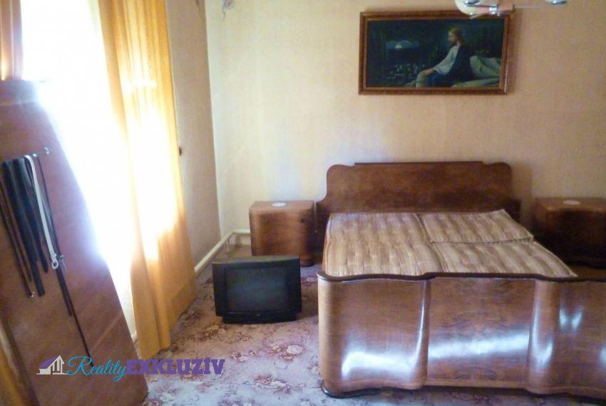 Predaj Rodinné domy Radzovce-1