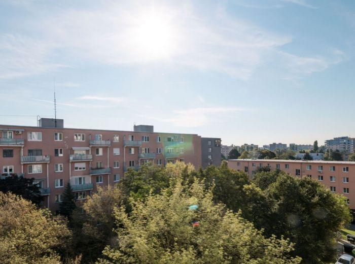 ZÁLUŽÍCKÁ, 1-i byt, 53 m2 - ŠTRKOVEC, TOP lokalita, pokoj a ticho, ZELEŇ, zrekonštuovaný bytový dom