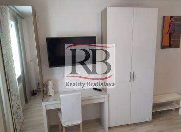 Garsónka, Bartoškova, Bratislava III