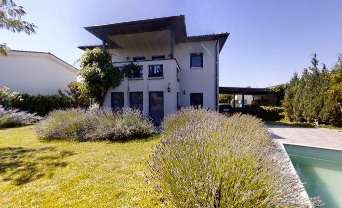 Moderný 4 izbový rodinný dom, bazén, upravená záhrada 888 m2, Edelstal, 3D prehliadka