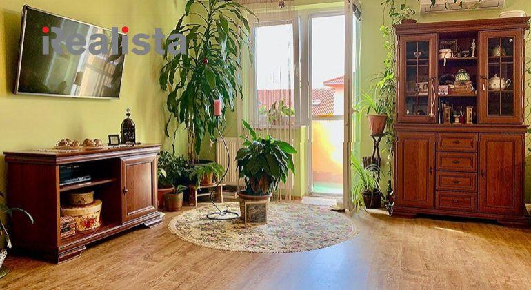 Zariadený, klimatizovaný 4 izbový veľkometrážny byt s garážou - Dunajská Streda